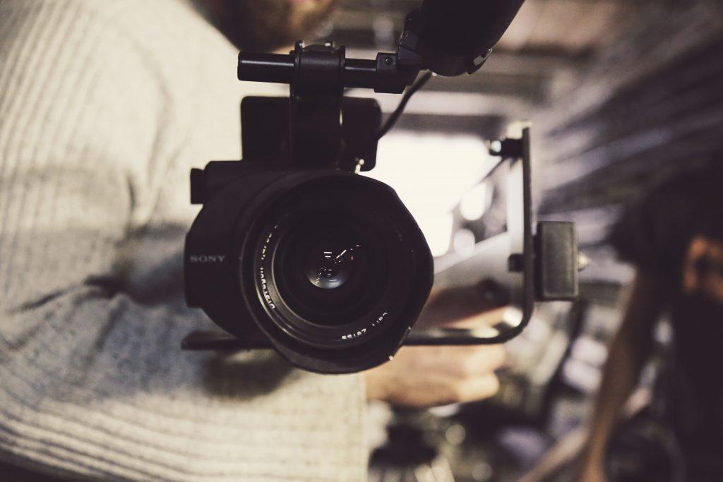 Dokumentarfilm in der entwicklungspolitischen Bildungsarbeit – Filmanalyse und Anspruch auf Authentizität